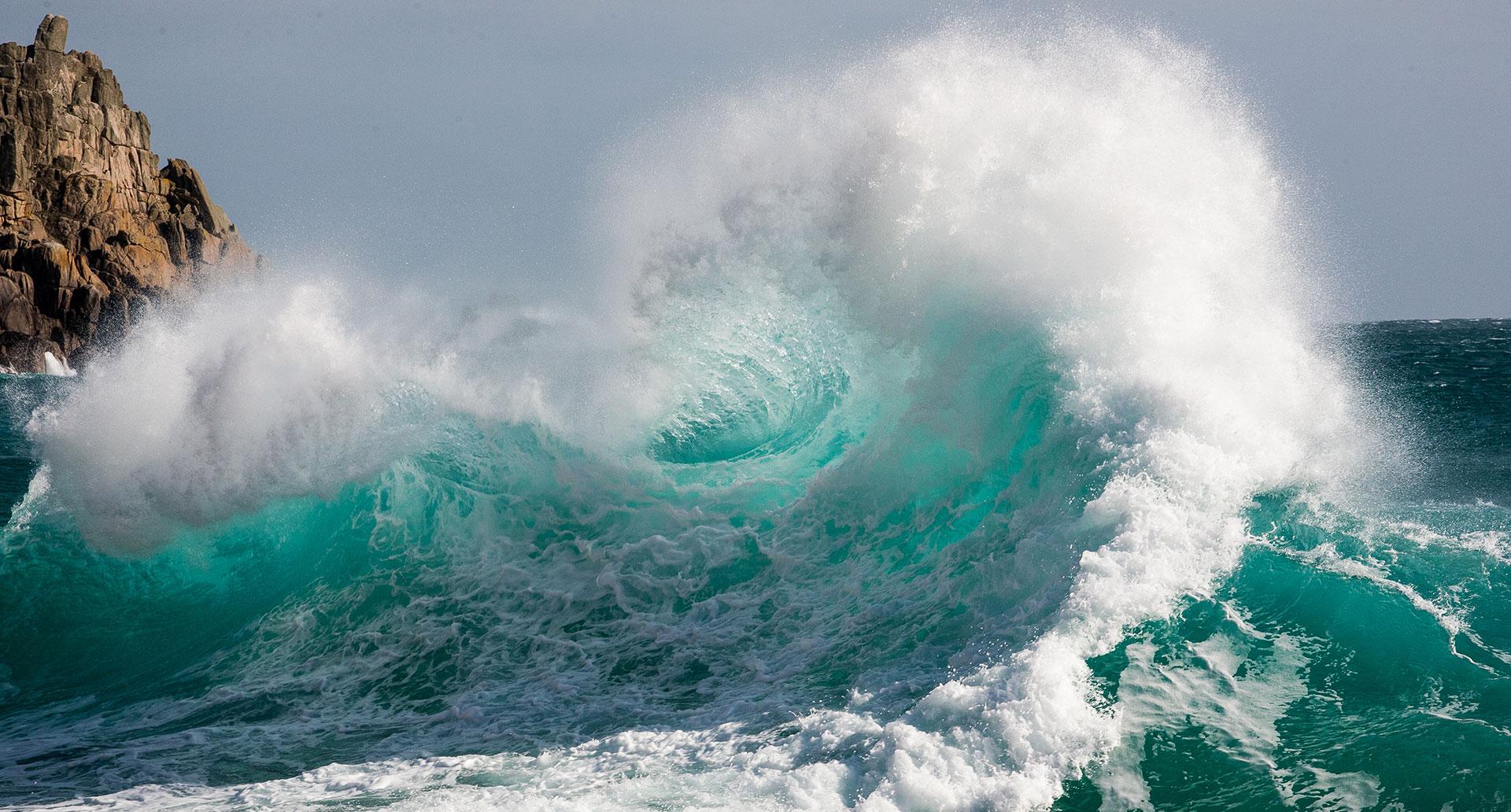 mare onda da surf in canoa