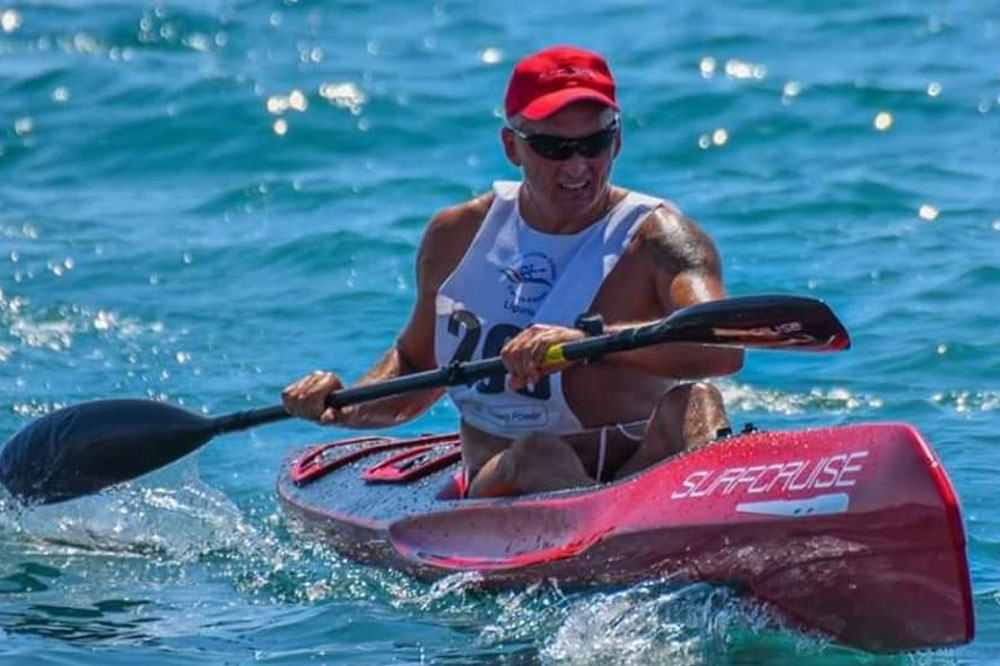 uomo sport divertimento e gara in canoa, surfski, kayak, Surfcruise