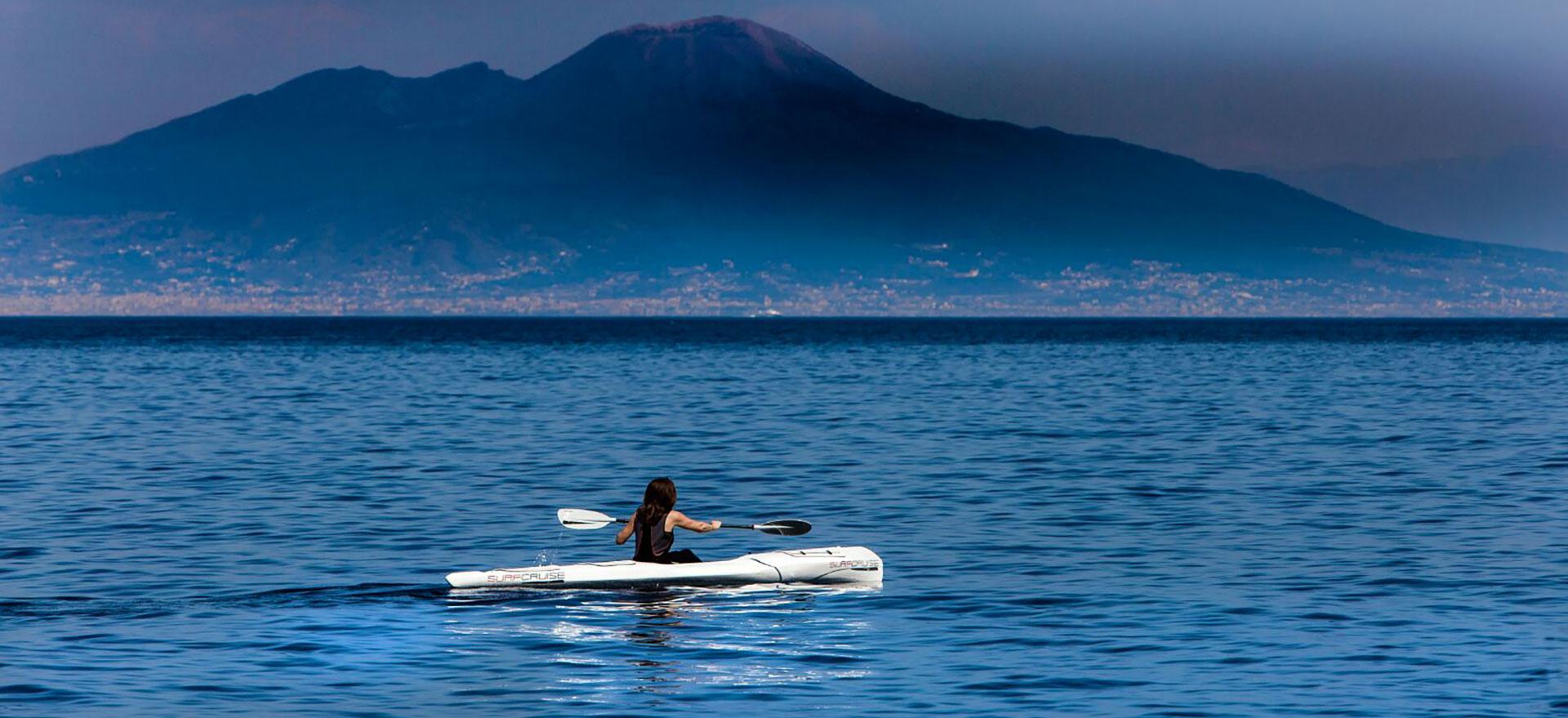 canoa kayak esplorazione ed escursione golfo di Napoli Vesuvio